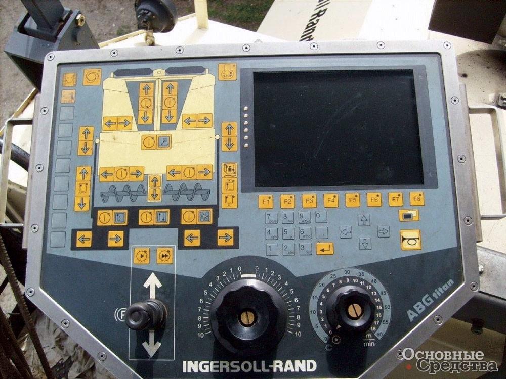Система Setting Manager в Volvo ABG 6820 позволяет быстро выбрать один из запрограммированных ранее режимов работы, что повышает производительность и качество укладки бетонной массы