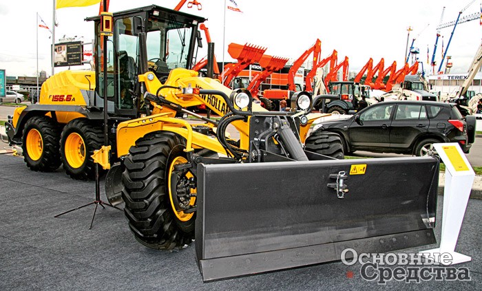 Грейдер New Holland F156.6A