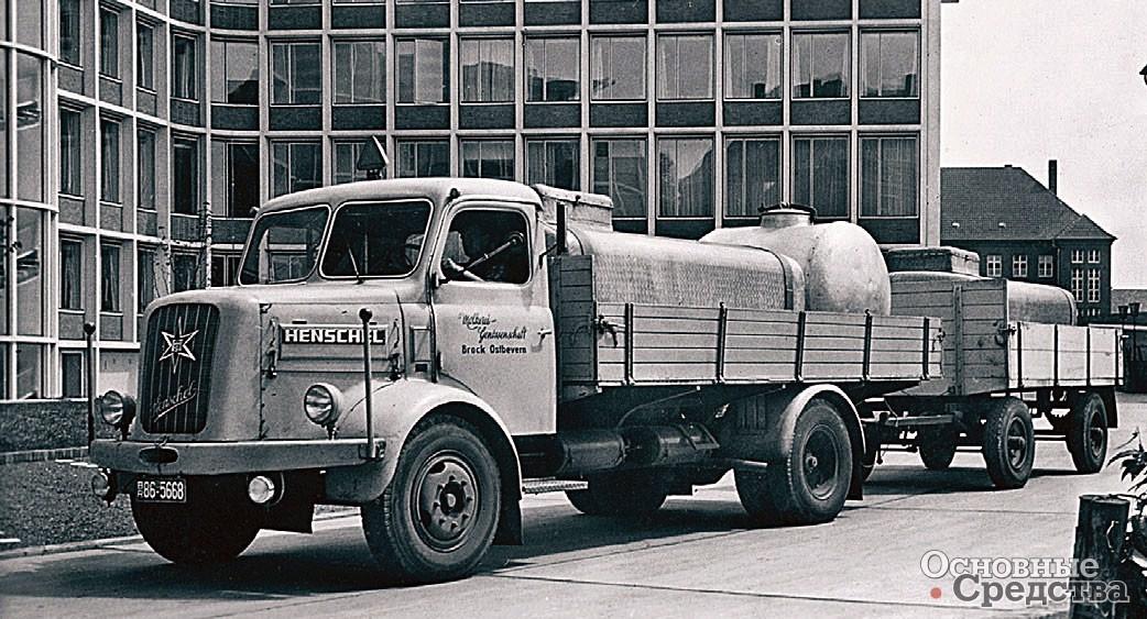 4,5-тонный капотный HS 100 (1951 г.)