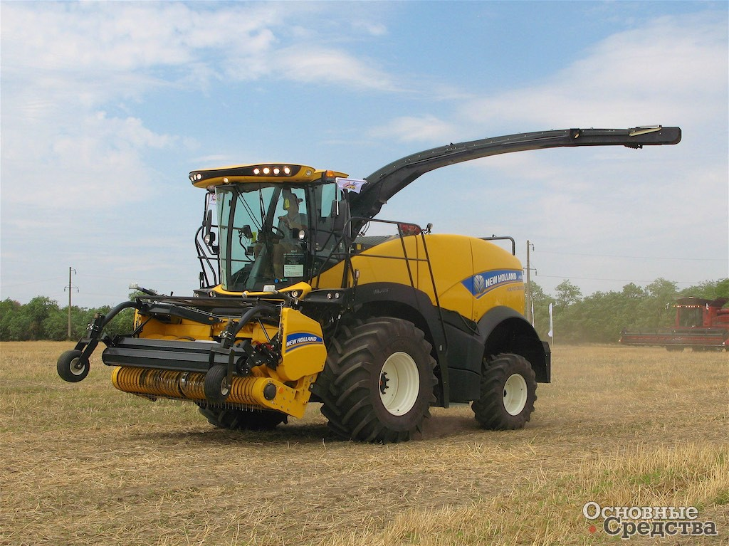 Комбайн New Holland FR450 Forage Cruiser